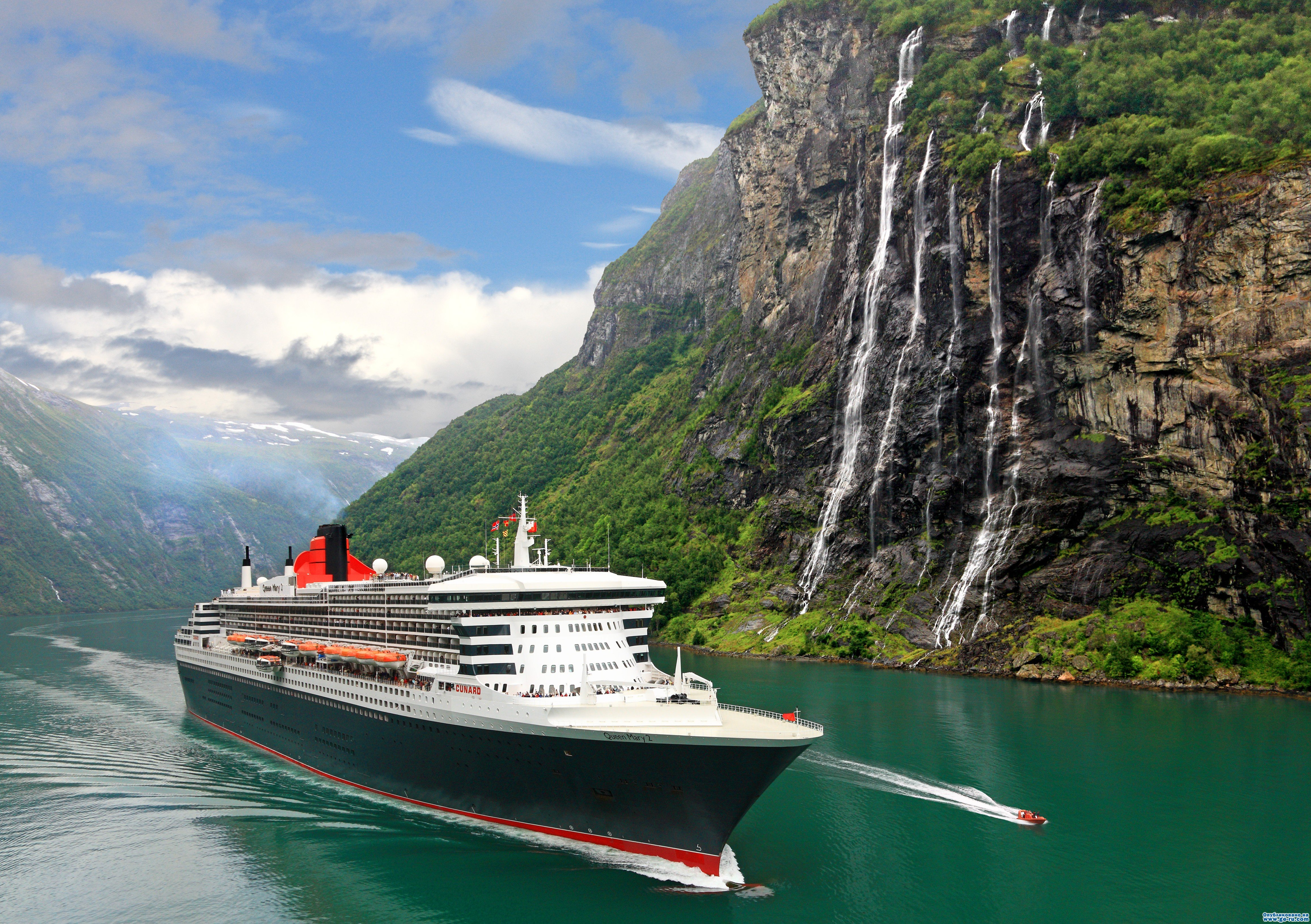 Queen-Mary-2-in-Fjords-e1313694879220.jpg